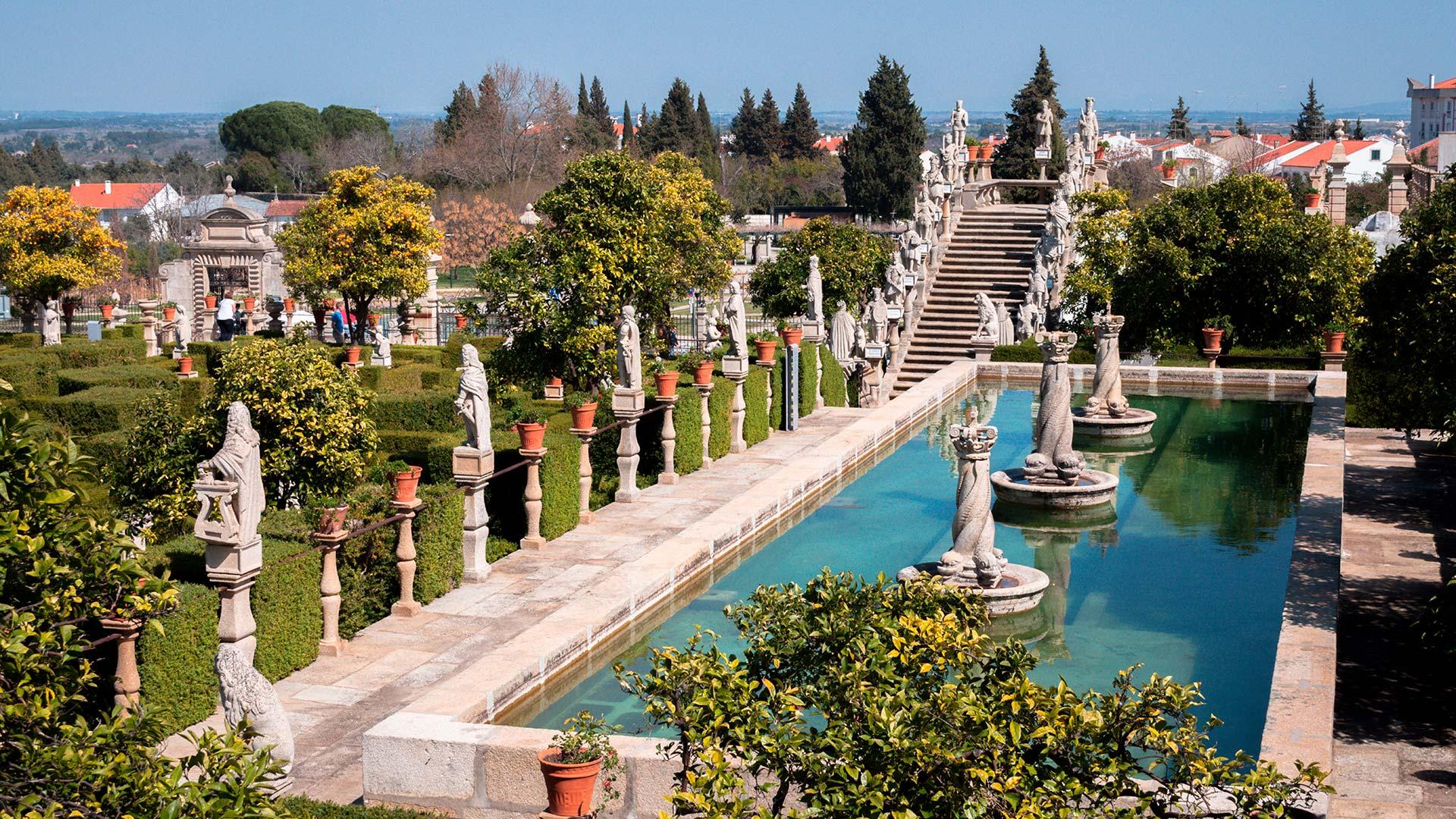 Garden of the Episcopal Palace, Castelo Branco / Castelo Branco / Lemtal Sergei_Shutterstock