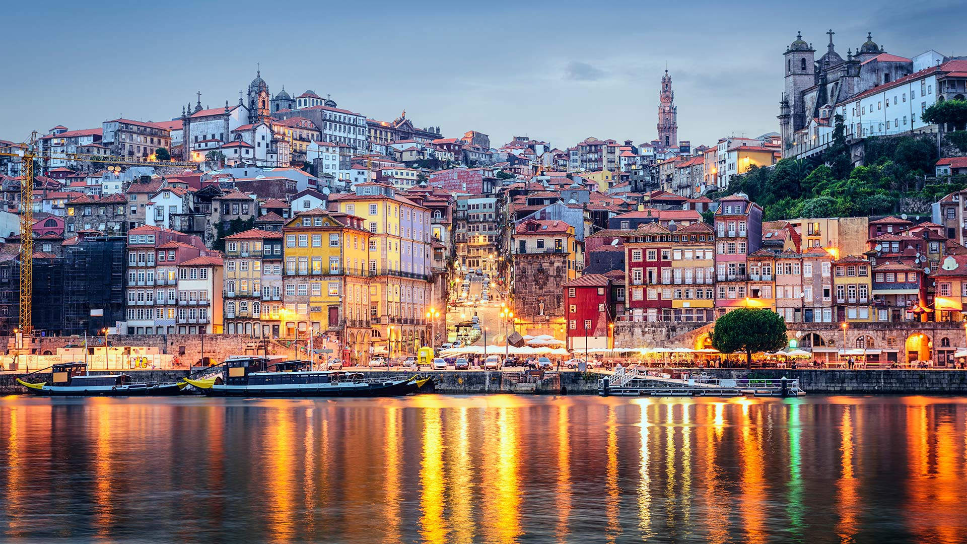 Vista sobre a Ribeira, Porto / Porto / Sean Pavone_Shutterstock